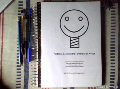 Modelo plus size, capa de caderno.