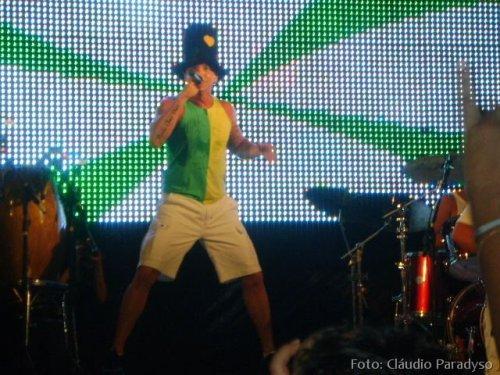 Imagem do show de Netinho em Campina Grande.