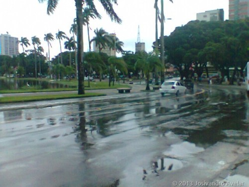 lagoa em dia de chuva 2