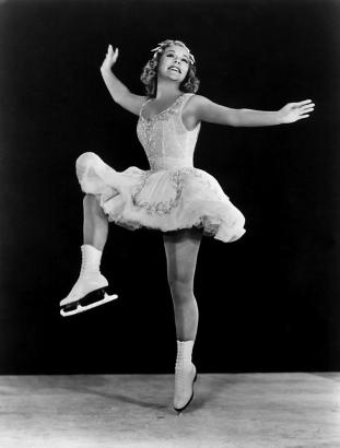 sonja-henie-in-the-hollywood-ice-revue-everett