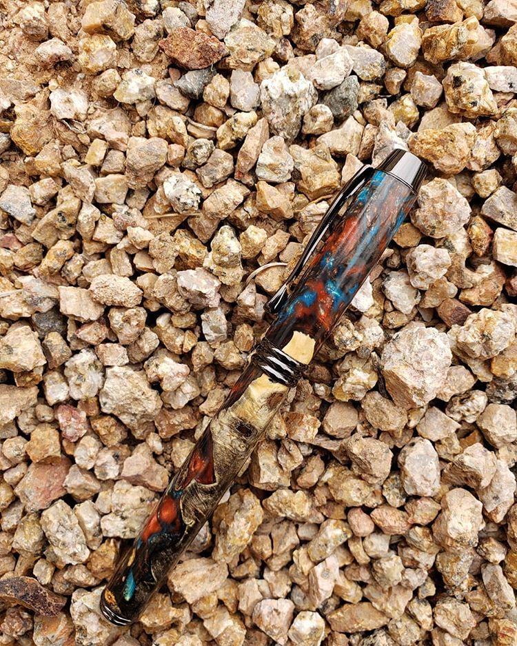 Souvenir Pulpen, sumber ig hatchco_woodworking