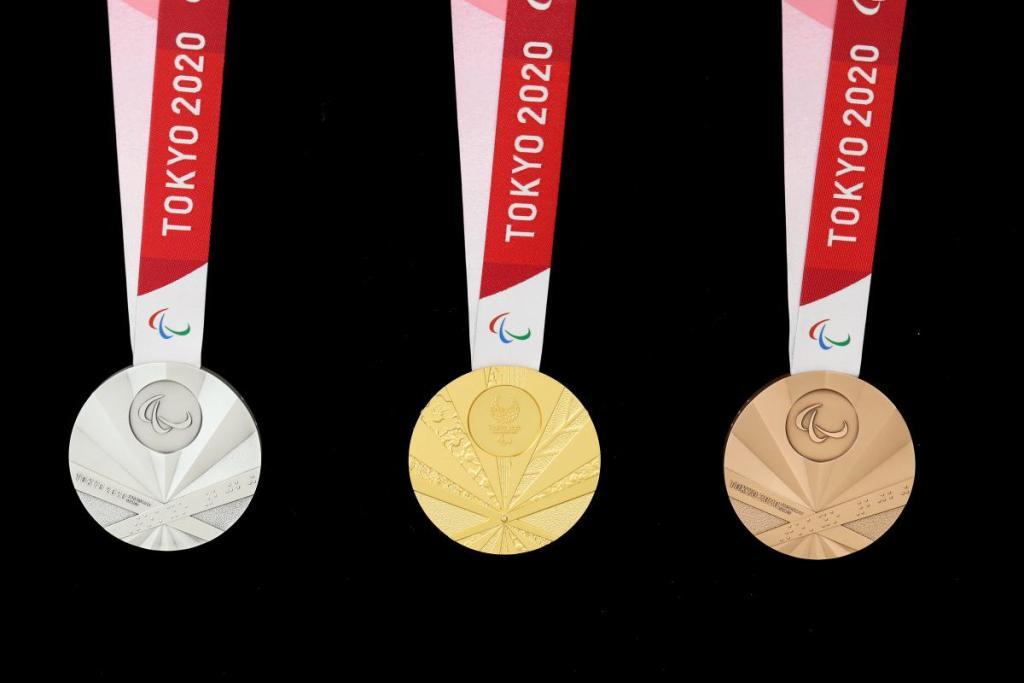 Desain Medali