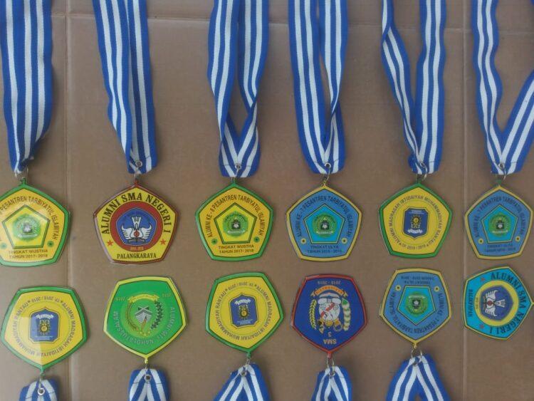 Membuat Medali Akrilik : Simak Caranya!