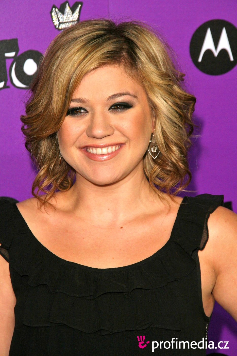 Free Kelly Clarkson Hairstyle Easyhairstyler Wallpaper
