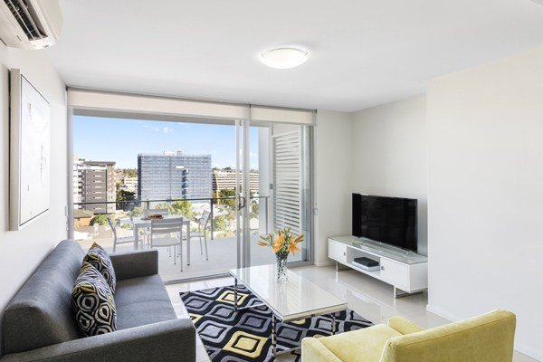 Best Woolloongabba Hotel 1 2 Bedroom Apartments At Oaks With Pictures