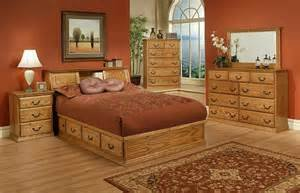 Best Od Traditional Oak Queen Platform Bedroom Suite Items Oak With Pictures
