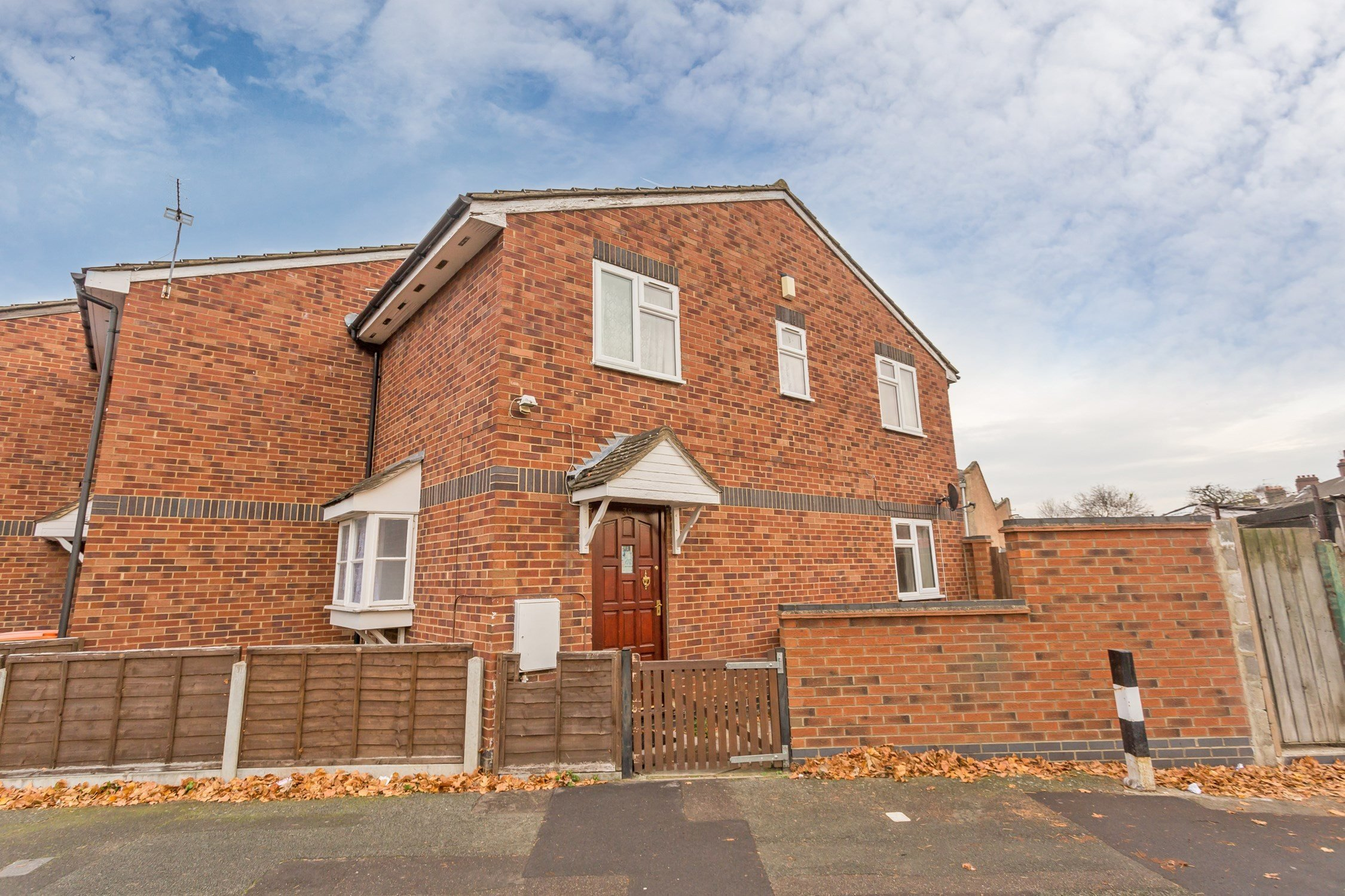 Best Portico 2 Bedroom House Recently Let In Plaistow North With Pictures