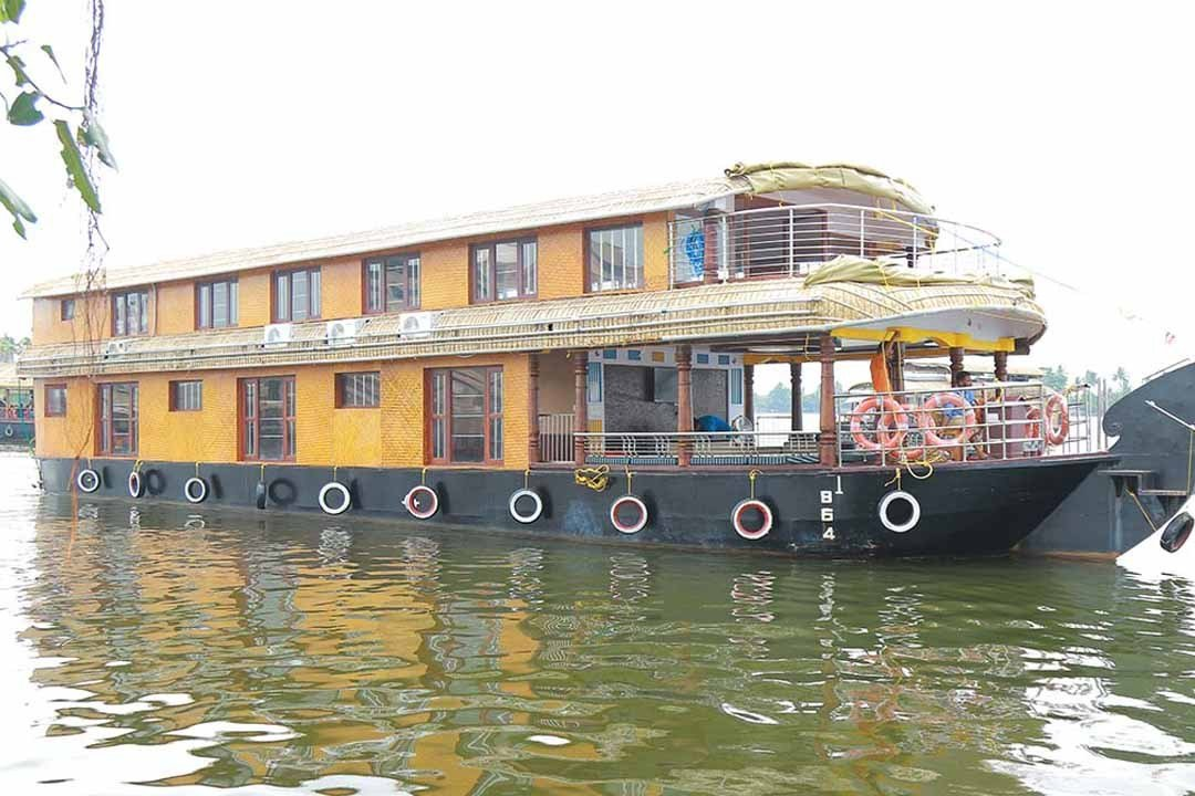 Best 5 Bedroom Houseboat Min 2 Pick My Holiday With Pictures