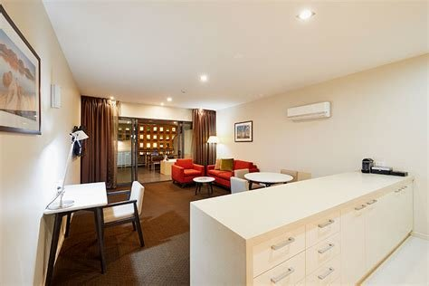 Best One Bedroom Deluxe Rooms At Racv Ract Hobart Apartment Hotel With Pictures Original 1024 x 768