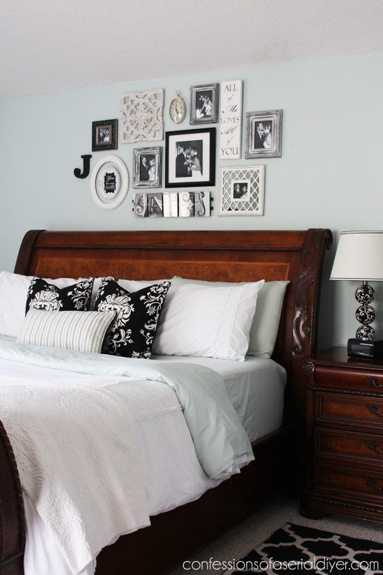 Best Bedroom Gallery Wall A Decorating Challenge Confessions With Pictures