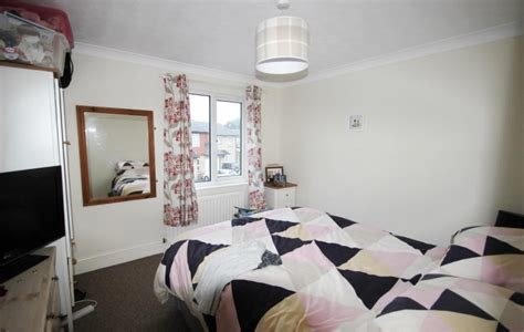 Best 2 Bed House For Sale In Charlville Drive Calcot Reading With Pictures