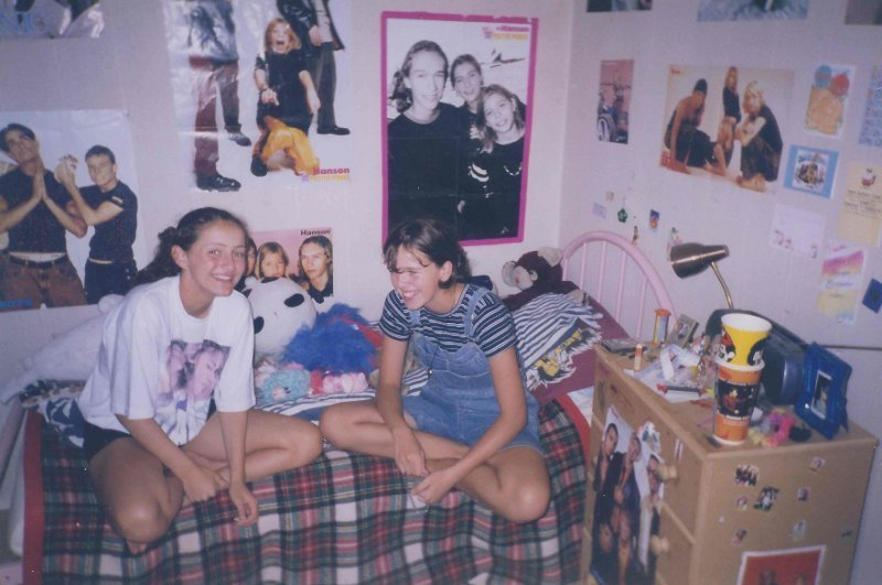 Best 27 Essential Items Every 90S Girl Had In Their Bedroom With Pictures