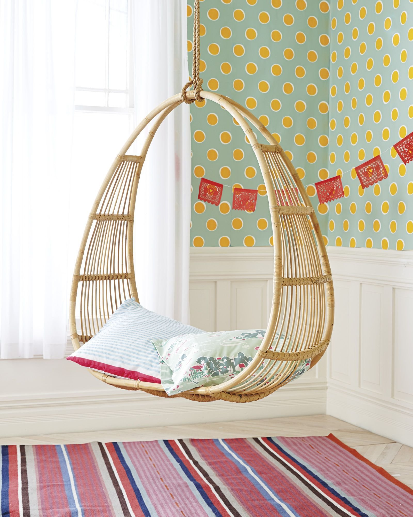 Best Hanging Rattan Chair For Interior And Exterior Uses With Pictures
