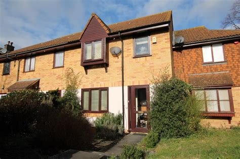 Best 2 Bed House Terraced To Rent Russell Way Sutton Sm1 2Sp With Pictures