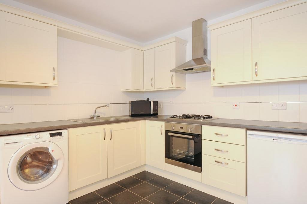 Best 1 Bed Flat Apartment Ground Flat To Rent Crescent Rise With Pictures