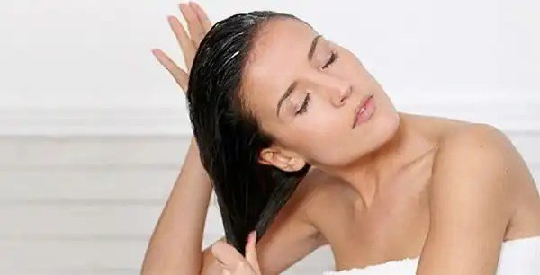 Free The Secrets Of How To Keep Your Hair From Getting Wet Wallpaper