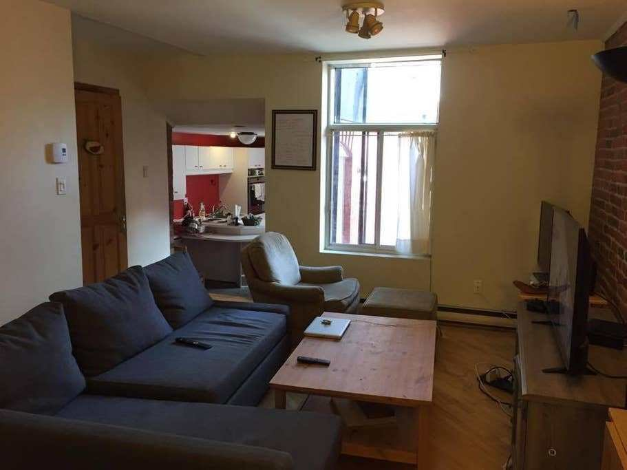 Best Stunning 3 Bedroom Condo In The Mcgill Ghetto With Pictures