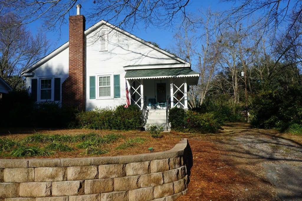 Best Cozy Carolina Cottage Minutes From Downtown Houses For With Pictures