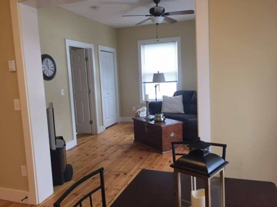 Best Beautifully Renovated 1 Bedroom In Manchester Nh With Pictures
