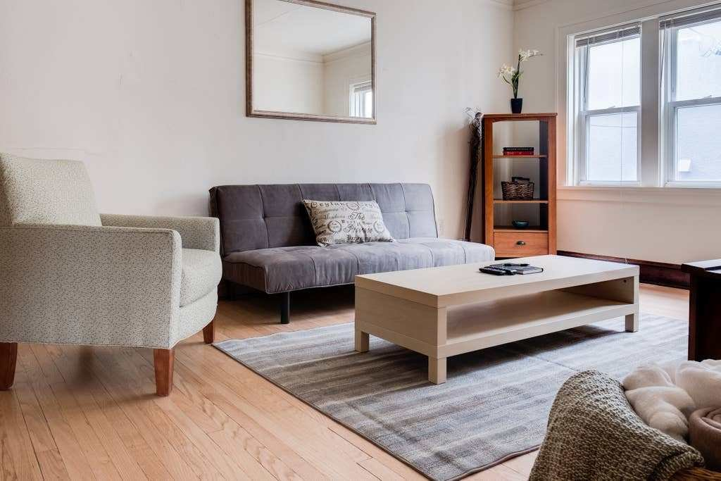 Best Beautiful Large 1 Bedroom On Brady St Apartments For With Pictures
