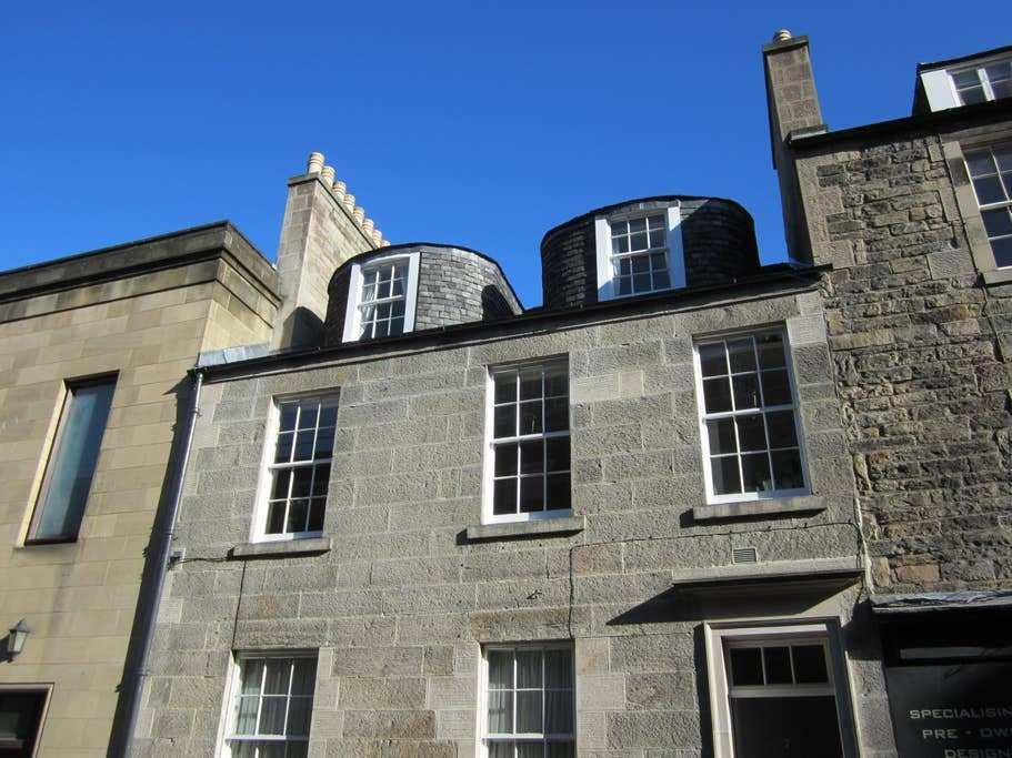 Best Central Edinburgh 1 Bedroom Flat Apartments For Rent In With Pictures