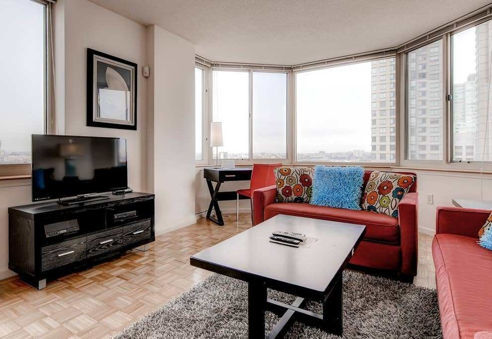 Best Lux 1 Bedroom W Wifi At Newport Jersey City Apartments With Pictures