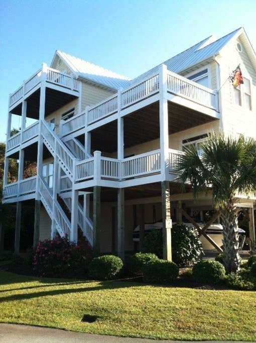 Best 5 Bedroom Beach House With Elevator Houses For Rent In Surf City North Carolina United States With Pictures