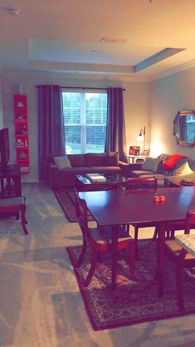 Best 1 Bedroom Apartment W Balcony In Gated Community Apartments For Rent In Raleigh North With Pictures