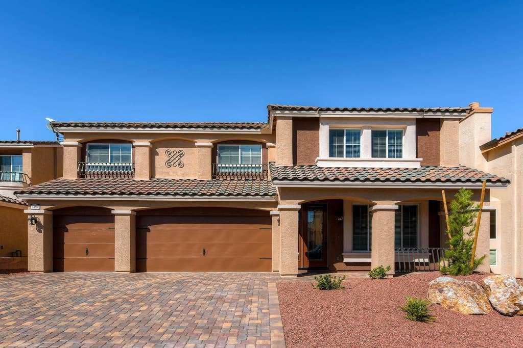 Best Dazzling New 6 Bedroom Home Houses For Rent In Las Vegas With Pictures