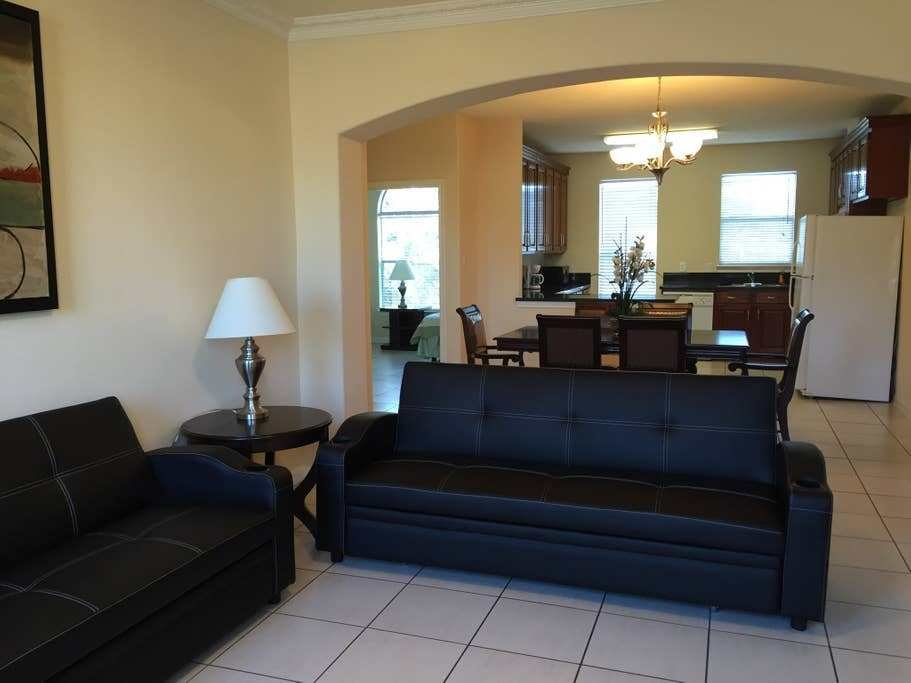 Best 8 Guests Four Bedroom Like New Condo 77080 88 2 With Pictures