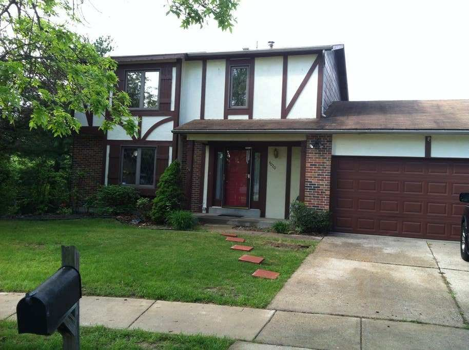 Best Beautiful Two Floor House In St Louis County Houses For Rent In Florissant Missouri United With Pictures