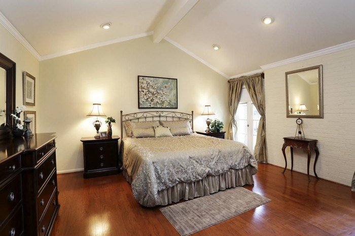 Best 20 Bedroom Designs With Vaulted Ceilings With Pictures
