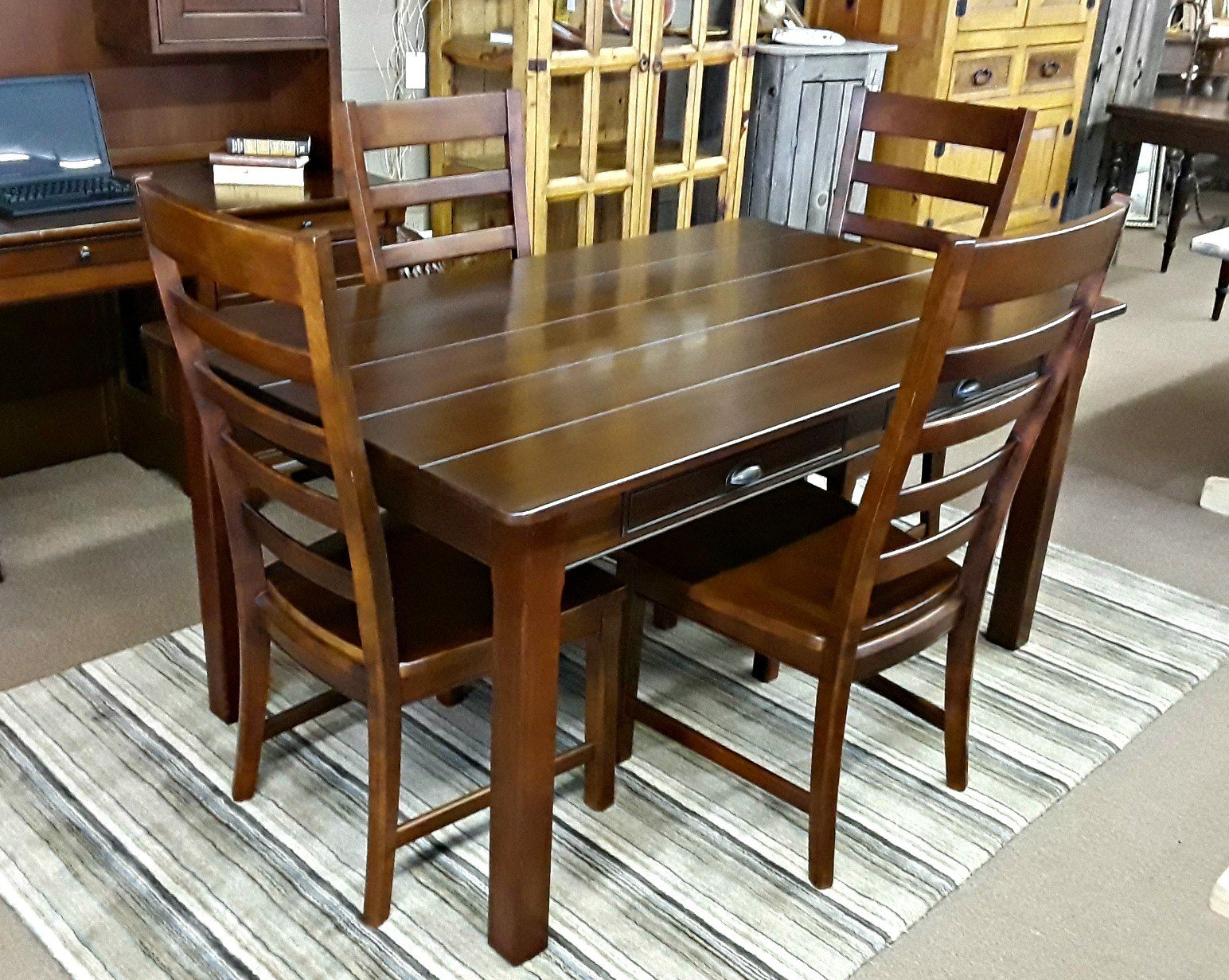 Best Richardson Brothers Company Dining Table 4 Chairs With Pictures
