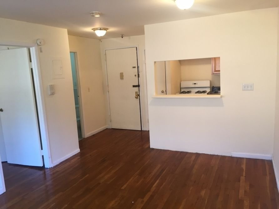 Best Nyc Apartments To Rent For 1 500 Am New York With Pictures