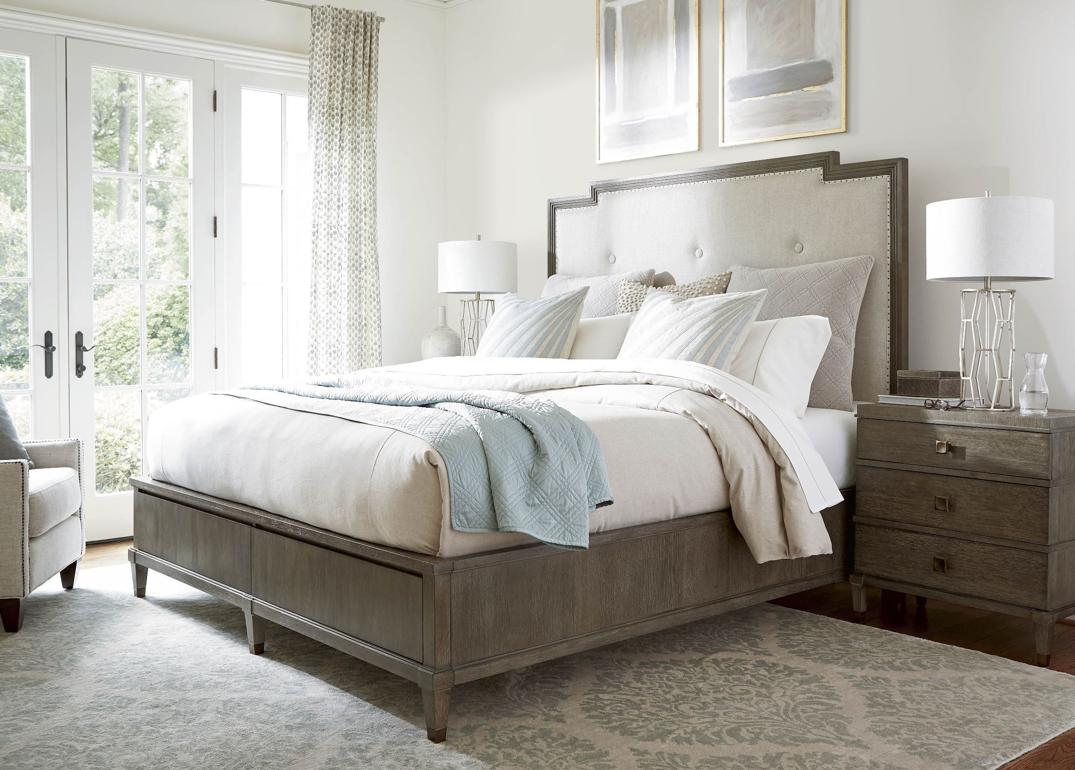 Best Universal Playlist Brown Eyed Girl Harmony Upholstered Platform Bedroom Set Playlist With Pictures
