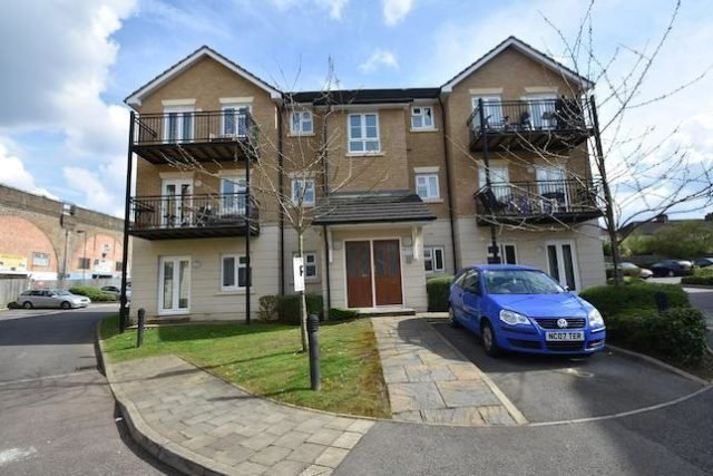 Best Fentiman Way Harrow 2 Bedroom Flat To Rent Ha2 With Pictures
