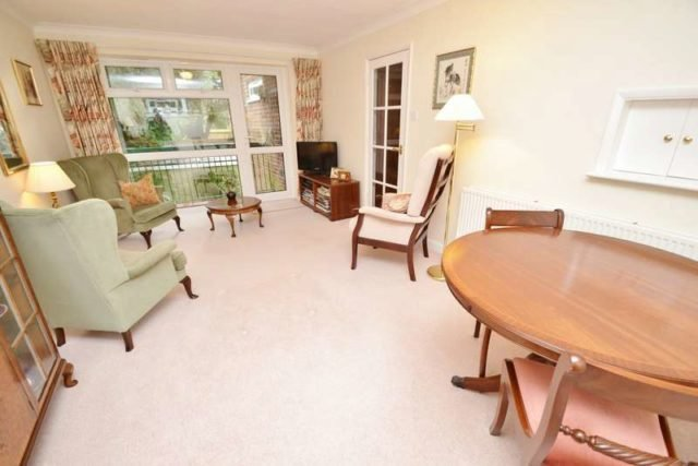 Best Portarlington Road Bournemouth 2 Bedroom Flat For Sale Bh4 With Pictures