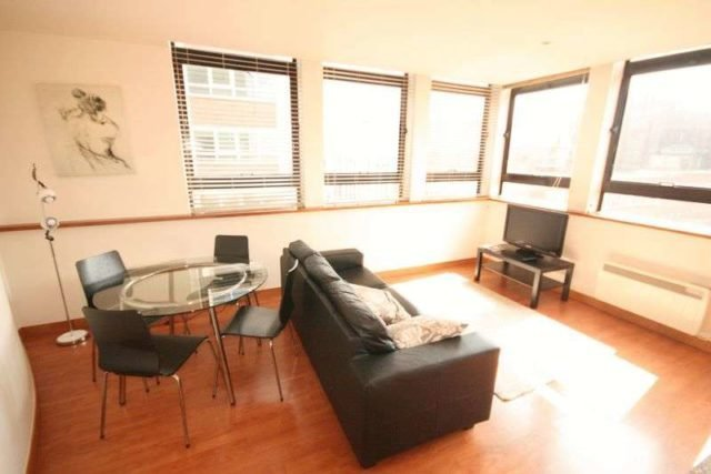 Best Newhall Street Birmingham 2 Bedroom Flat To Rent B3 With Pictures