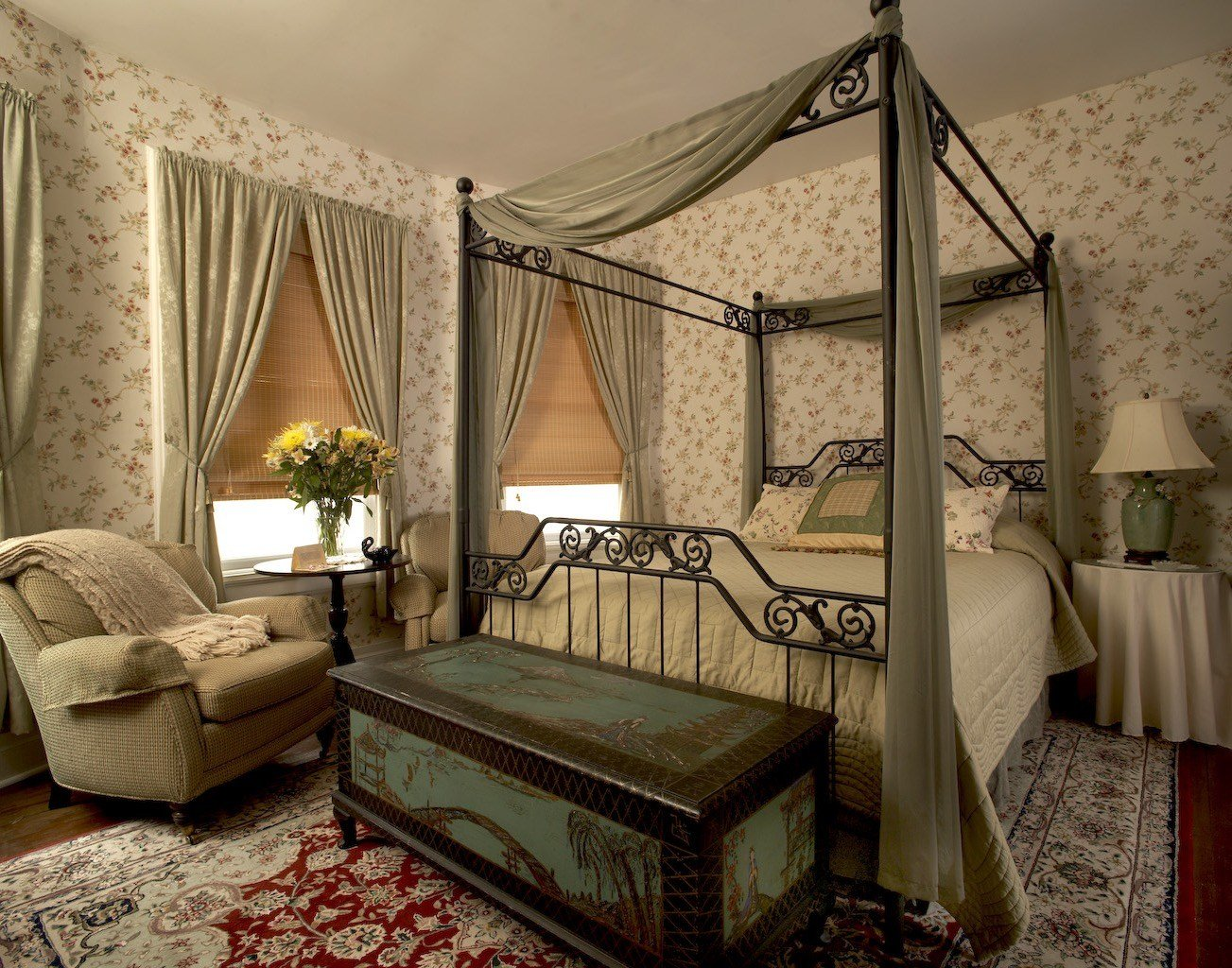 Best Victorian Decor Style For Comfortable Bedroom 15485 With Pictures