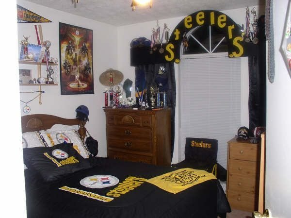 Best 54 Best Pittsburgh Steelers Bedroom Decor Images On With Pictures