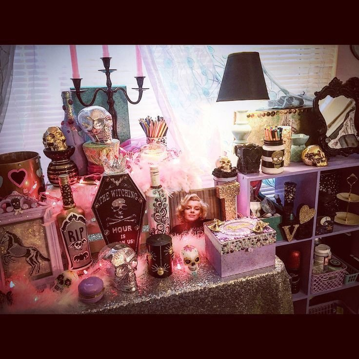 Best My Pastel Goth Makeup Room Decor Jaidyn Perkins Vanity Salon Girly Cave In 2019 Goth With Pictures