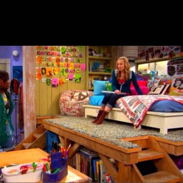 Best Teddy Duncan S Bedroom On Good Luck Charlie Www With Pictures