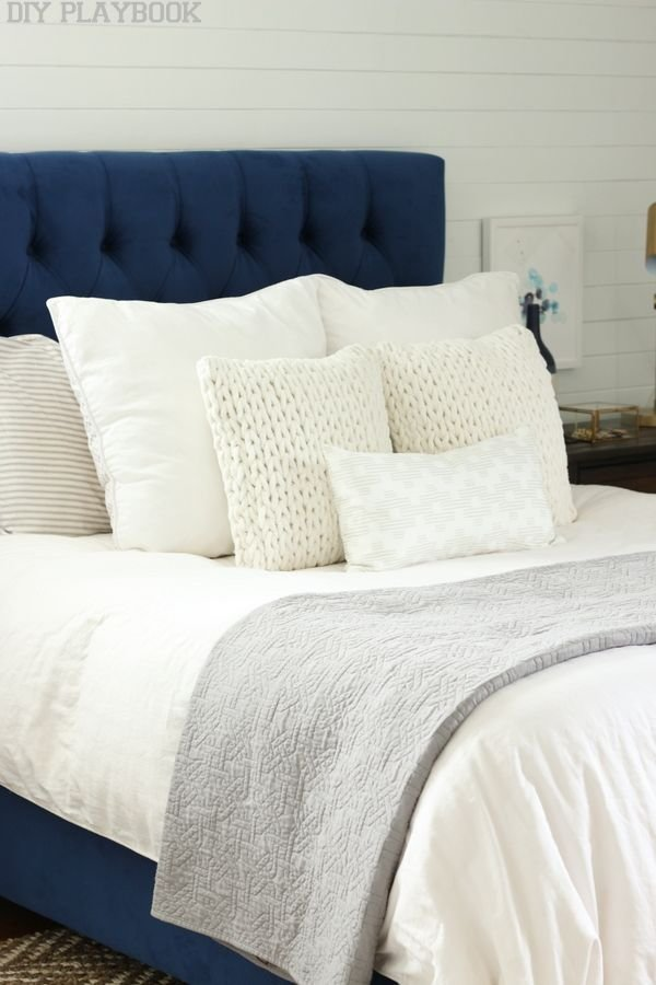 Best A Navy Headboard Neutral Rug For The Win Bedroom With Pictures