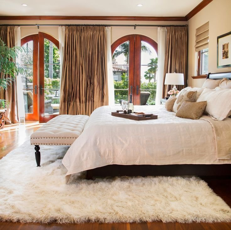 Best White Fluffy Rug Brown Master Bedroom And White Sh*G Rug With Pictures