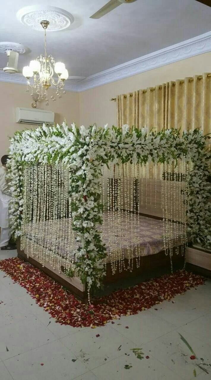 Best Pin By Dacan Fancy Flower On Wedding Shadi Bed Sej Masehri Flower Decoration Service In Karachi With Pictures