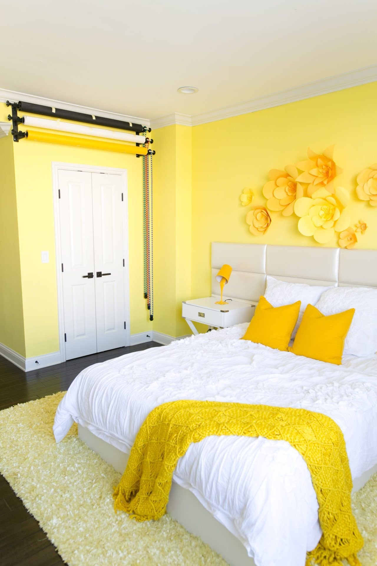 Best Adelaine Morin's Hello Yellow Bedroom Makeover In 2019 Bedrooms Aesthetic Room Decor With Pictures