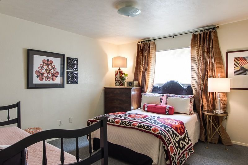 Best This Apartment Is For A Mom And Her 8 Year Old Daughter With Pictures