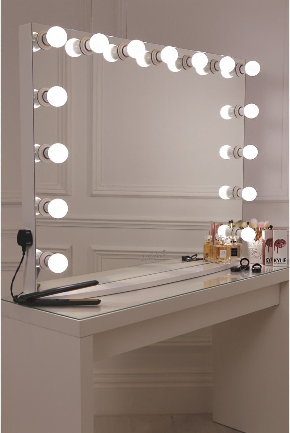 Best 17 Diy Vanity Mirror Ideas To Make Your Room More With Pictures