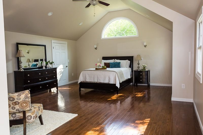 Best Vaulted Ceiling In Master Suite Half Moon Window Julie With Pictures