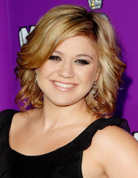 Free Kelly Clarkson Photos In 2019 Hair Inspiration Kelly Wallpaper